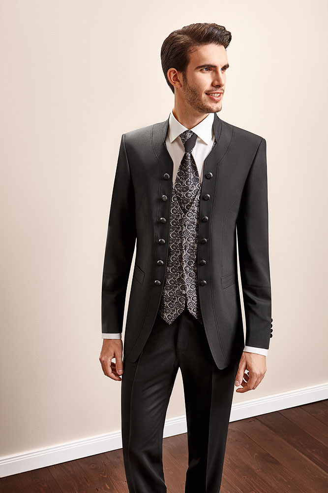 SB12 Mandarin Collar Charcoal 3Pc Suit - Kurt Muller Man